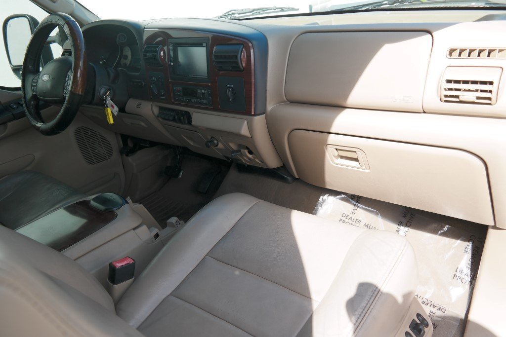Pre-Owned 2006 Ford F-350SD Lariat
