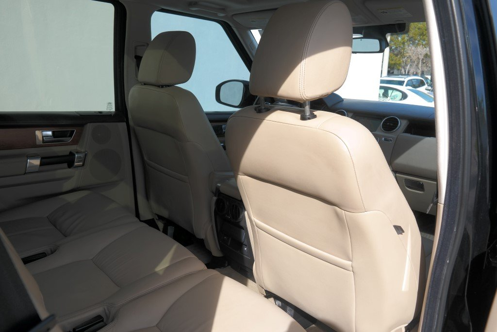 Pre-Owned 2014 Land Rover LR4 LUX